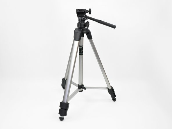 Every hand-held camera is prone to shakes and vibrations that cause blurry photos. Keep your images sharp by using a tripod.