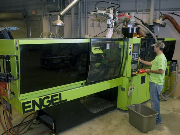 Follow these steps to prepare and operate the Engel eMotion 440/110 injection molding machine.