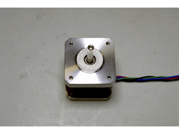 Place the Z-Motor with the cable to the right