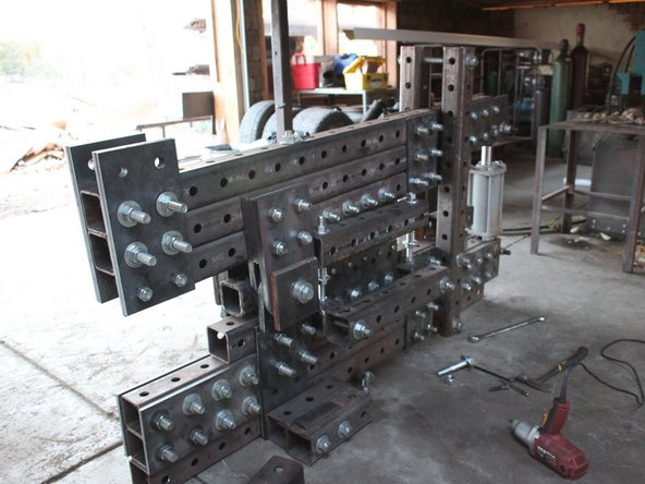 How to assemble all the pieces of the Ironworker (in progress)