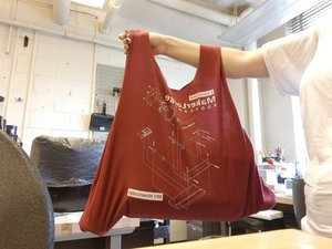 How to sew a T-shirt into a bag