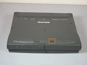 Macintosh PowerBook 1400 Series Battery Replacement