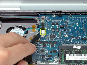 "MacBook Pro 15"" Core 2 Duo Model A1211 Left Ambient Light Sensor Replacement"