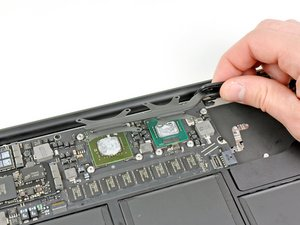 """MacBook Air 13"""" Late 2010 Heat Sink Replacement"""
