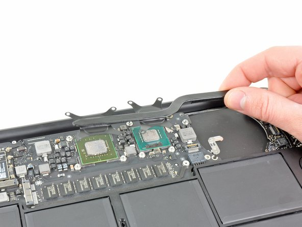 """MacBook Air 11"""" Late 2010 Heat Sink Replacement"""
