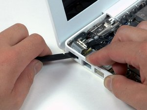 MacBook Core Duo MagSafe Board Replacement