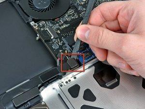 "MacBook Pro 15"" Unibody Mid 2009 Subwoofer/Right Speaker Replacement"