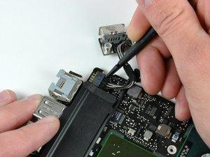 MacBook Unibody Model A1278 Logic Board Replacement
