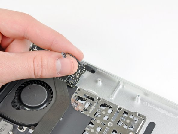 """MacBook Air 13"""" Late 2010 Microphone Replacement"""