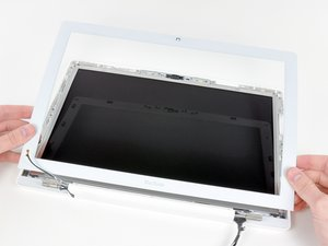 MacBook Core Duo Front Display Bezel Replacement