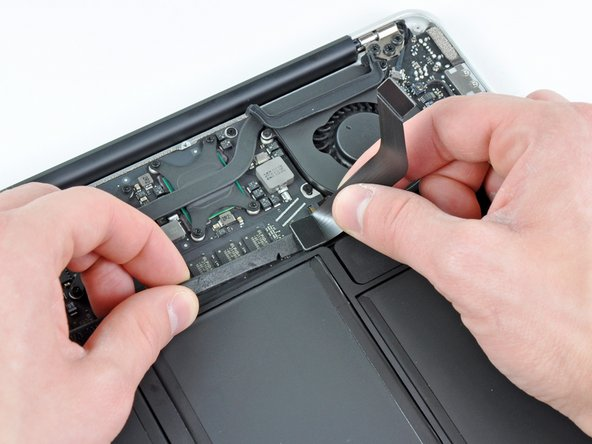 """MacBook Air 13"""" Late 2010 I/O Board Cable Replacement"""
