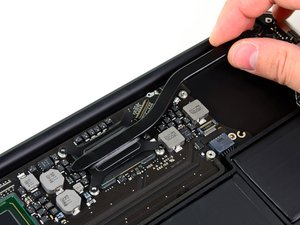 "MacBook Air 11"" Mid 2011 Heat Sink Replacement"